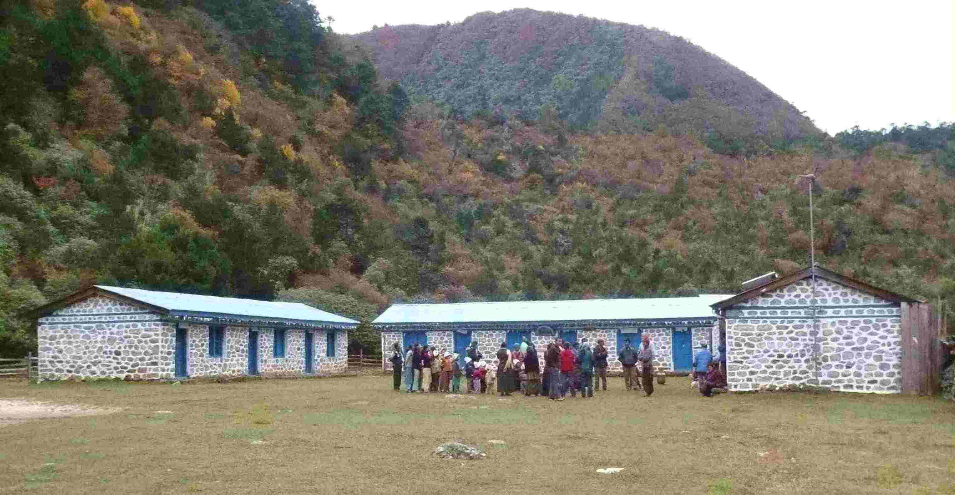Ghunsa school and clinic